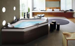 Угловая ванна с джакузи