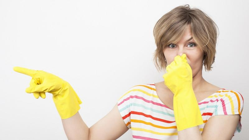 Запах из раковины на кухне: как устранить