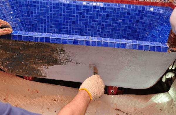 облицовка мозаикой чугунной ванны