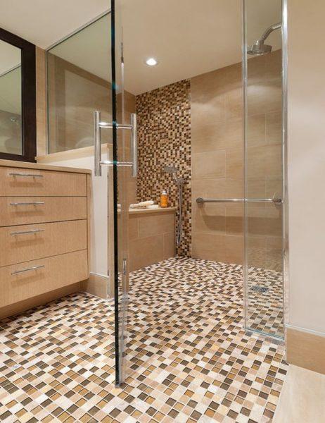 Мозаика в дизайне душевой комнаты в частном доме
