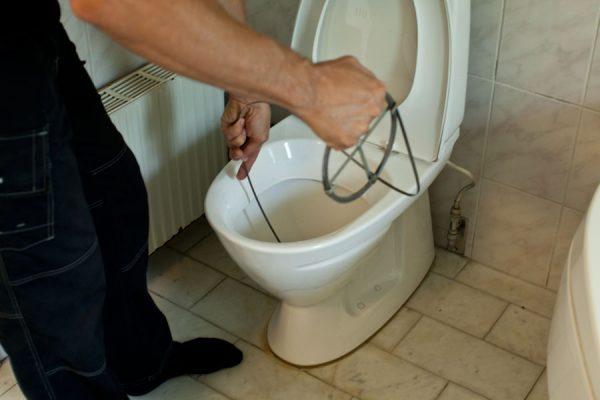 прочистка канализации тросом