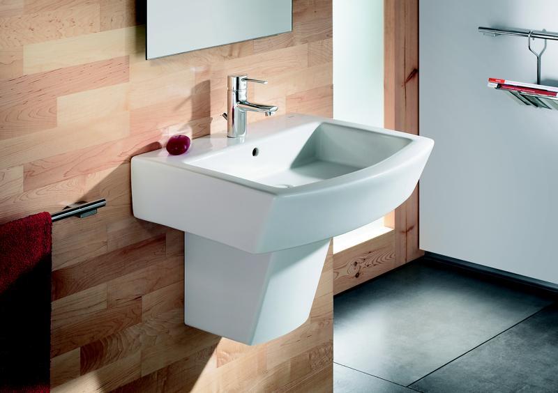 Как проще всего закрепить раковину к стене в ванной комнате