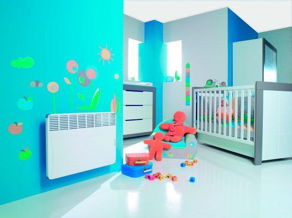 конвекторный обогреватель в детской комнате