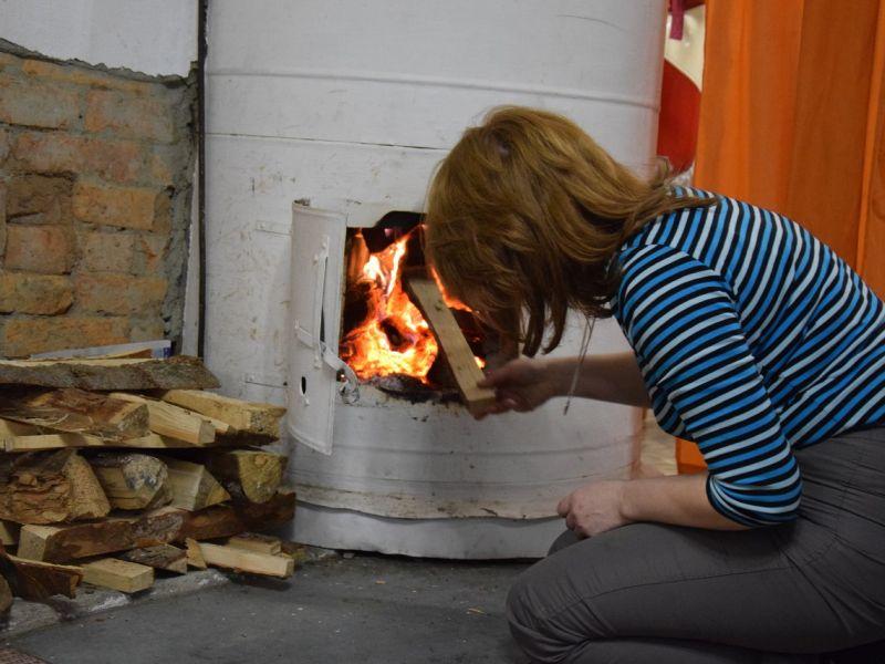 3 способа прочистки дымохода от сажи народными средствами
