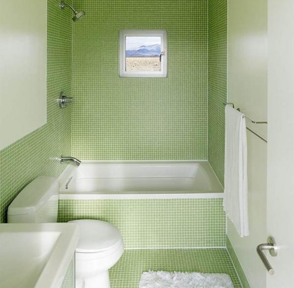 Ванная с зелёной мозаикой