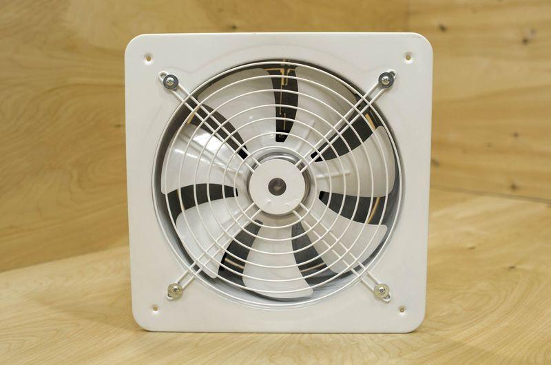 Топ-5 бесшумных электрических вентиляторов для ванной комнаты
