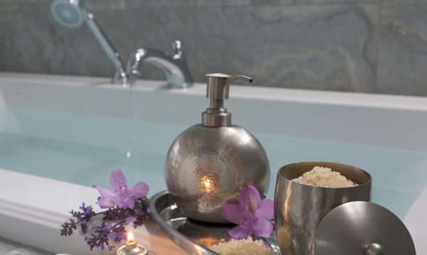 Ванна и ароматические масла: польза, вред