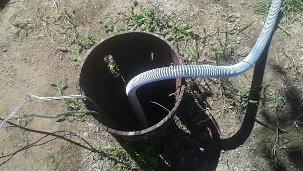 Чистка скважины насосом