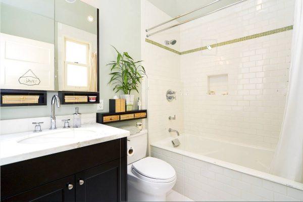 Фото светлой ванной комнаты 5 кв. м