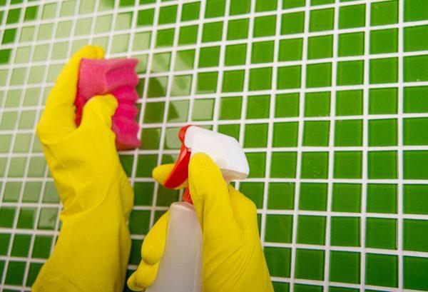 Мытьё плитки