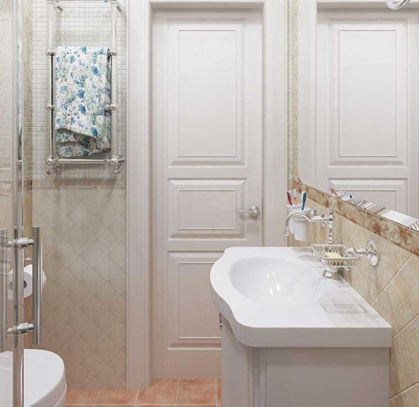 Сочетание плитки разной формы в ванной
