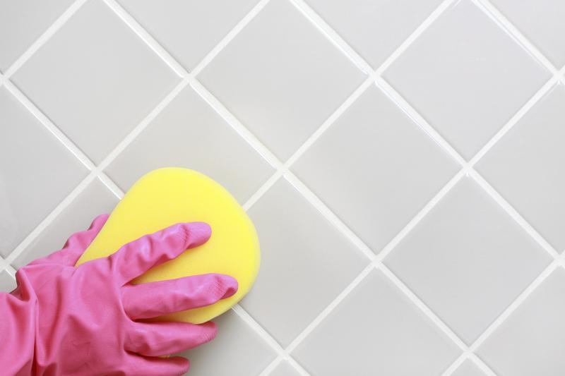 Как отмыть плитку в ванной от налёта: лучшие способы
