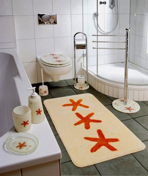 Коврик для чёрно-белой ванной комнаты