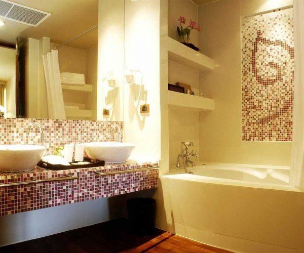Ванная комната с мозаичным декором