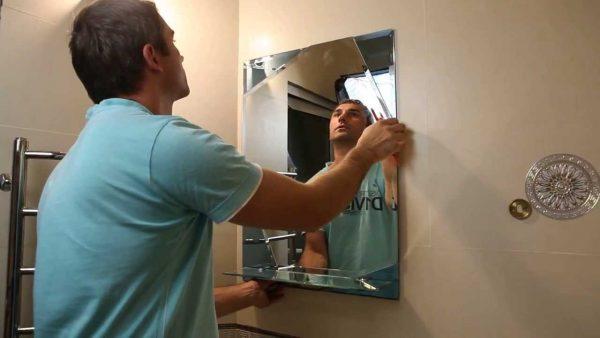 Крепление зеркала к стене