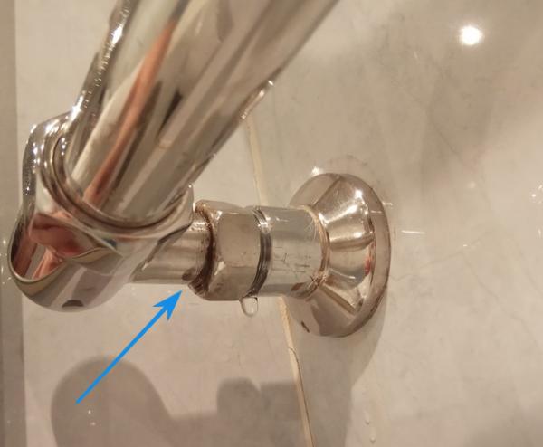 Протечка полотенцесушителя в местах соединения