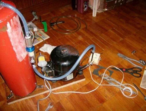 вакуумный насос из холодильного компрессора