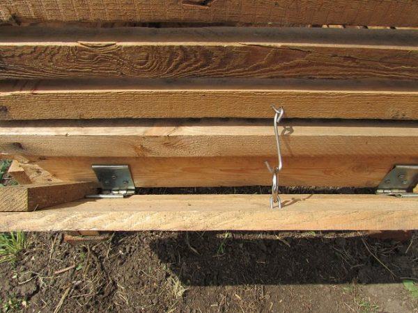 Крышка компостного ящика с крючком
