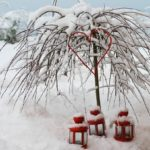8 идей, как взрослым и детям можно развлечься на даче зимой