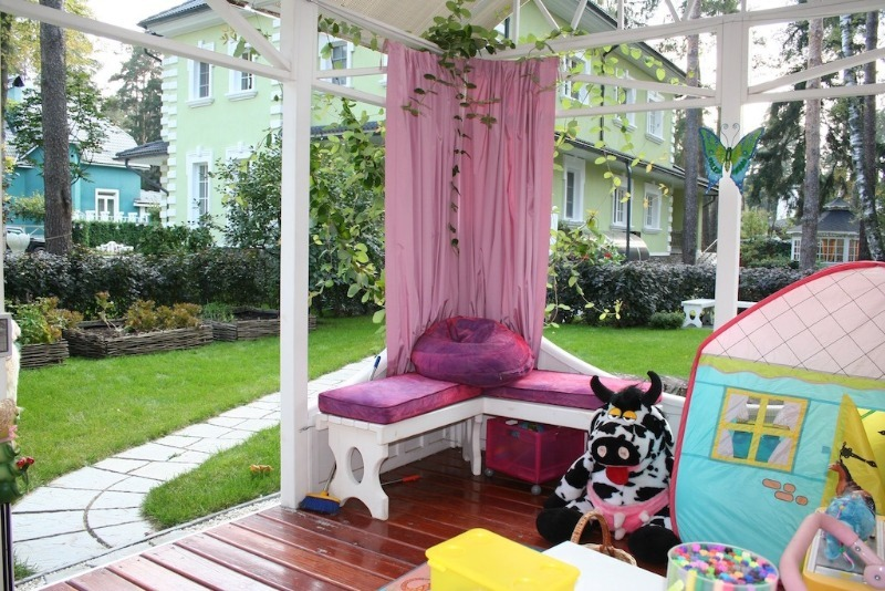 Как обустроить террасу на даче, чтобы она стала любимым местом в доме